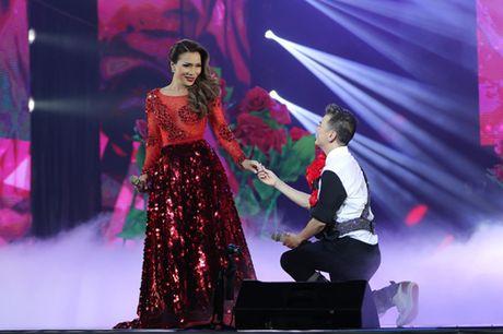 Dam Vinh Hung bien hoa nhu 'tac ke hoa' trong liveshow 12 ti - Anh 5