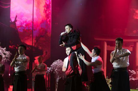 Dam Vinh Hung bien hoa nhu 'tac ke hoa' trong liveshow 12 ti - Anh 7