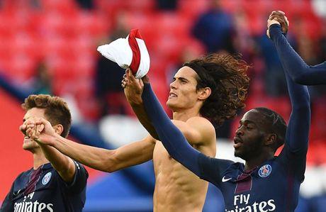 AS Monaco thang huy diet, Cavani lai nang buoc PSG - Anh 1