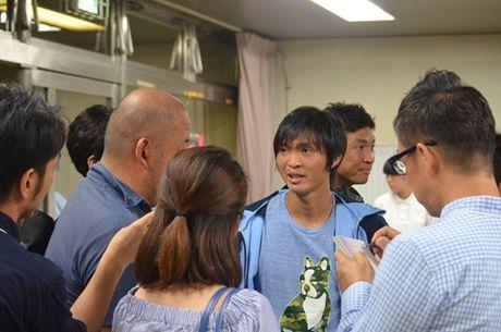 HLV Huu Thang khong bo roi 'hoc tro ruot' cua nguoi tien nhiem Miura - Anh 2