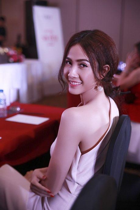 Phan Thi Mo toa sang lung linh tai su kien - Anh 4