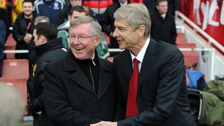 M.U tung muon Wenger ke vi Sir Alex Ferguson - Anh 1