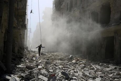 Chien su Syria: Nga bi to ban ten lua trung benh vien lon nhat o Aleppo - Anh 1