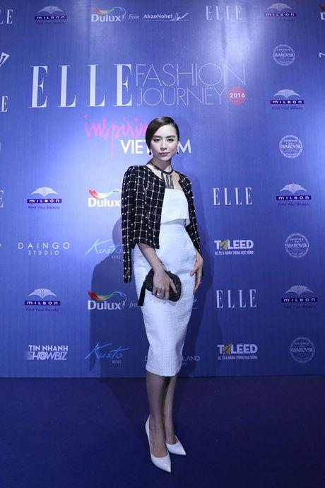 Dan Hoa hau, A hau 'do bo' tham do dem cuoi Elle Fashion - Anh 11