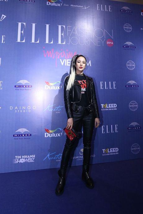 Dan Hoa hau, A hau 'do bo' tham do dem cuoi Elle Fashion - Anh 15