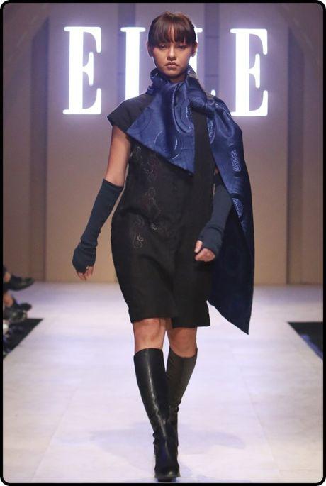 Dan Hoa hau, A hau 'do bo' tham do dem cuoi Elle Fashion - Anh 17