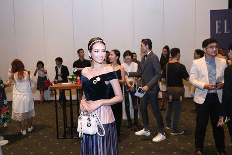 Dan Hoa hau, A hau 'do bo' tham do dem cuoi Elle Fashion - Anh 5