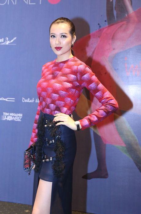 Dan Hoa hau, A hau 'do bo' tham do dem cuoi Elle Fashion - Anh 8