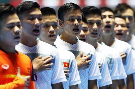 BAN TIN The thao sang: DT Futsal Viet Nam duoc FIFA vinh danh - Anh 1