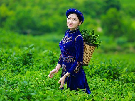 Thi sinh iMiss Thang Long rang ro sac ao dan toc ben doi che - Anh 15