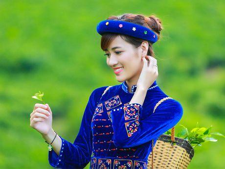 Thi sinh iMiss Thang Long rang ro sac ao dan toc ben doi che - Anh 6