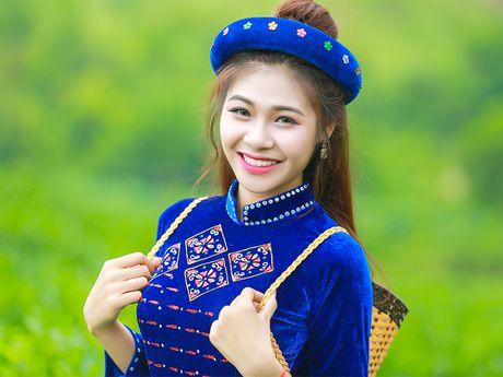 Thi sinh iMiss Thang Long rang ro sac ao dan toc ben doi che - Anh 9