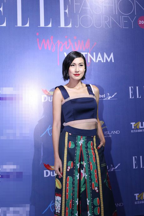 Dan Hoa hau, A hau 'do bo' tham do Elle Fashion Journey - Anh 9