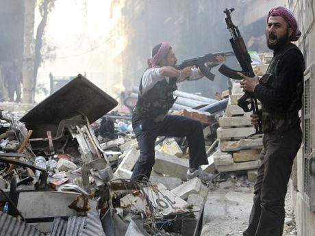 Quan doi Syria mo duong song cho phien quan o Aleppo - Anh 1
