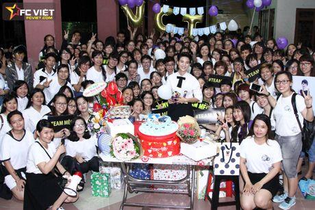 Vu Cat Tuong nhan 'nui' qua sinh nhat tu fans sau 'The Voice Kids' - Anh 11