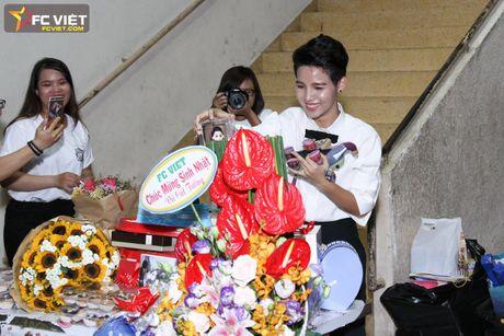 Vu Cat Tuong nhan 'nui' qua sinh nhat tu fans sau 'The Voice Kids' - Anh 2