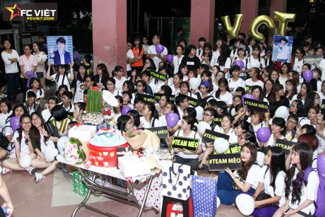 Vu Cat Tuong nhan 'nui' qua sinh nhat tu fans sau 'The Voice Kids' - Anh 3
