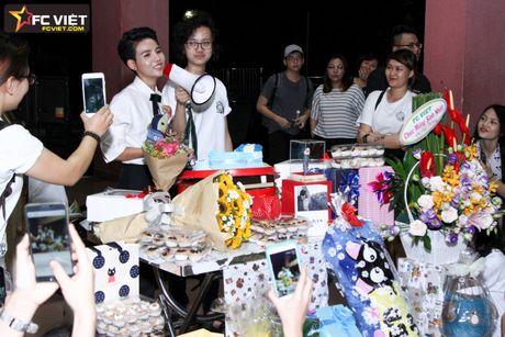 Vu Cat Tuong nhan 'nui' qua sinh nhat tu fans sau 'The Voice Kids' - Anh 4