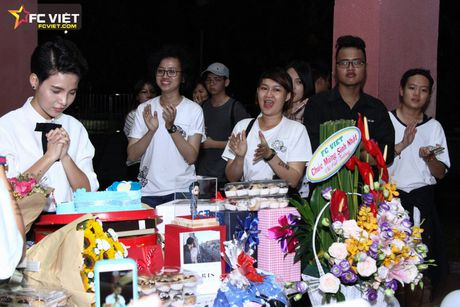 Vu Cat Tuong nhan 'nui' qua sinh nhat tu fans sau 'The Voice Kids' - Anh 5