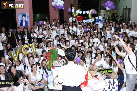 Vu Cat Tuong nhan 'nui' qua sinh nhat tu fans sau 'The Voice Kids' - Anh 7