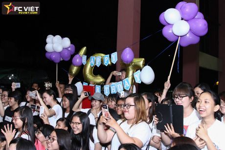 Vu Cat Tuong nhan 'nui' qua sinh nhat tu fans sau 'The Voice Kids' - Anh 8