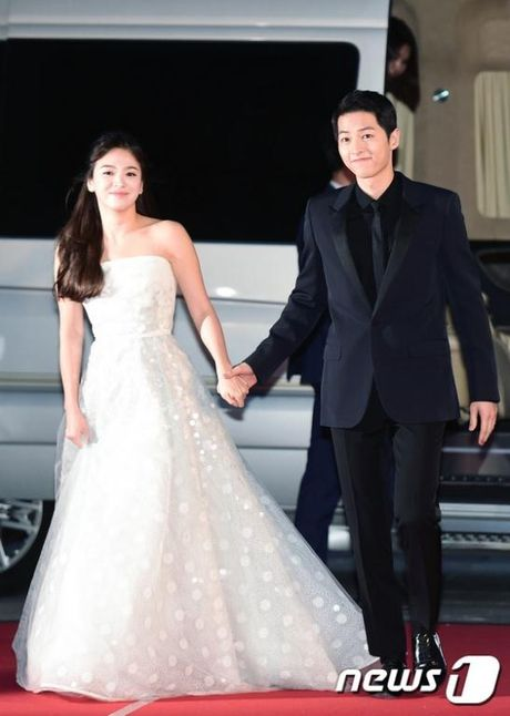 Vua phu nhan tin dam cuoi, cap doi Song Joong Ki - Song Hye Kyo 'lai' chuan bi tai hop. - Anh 1