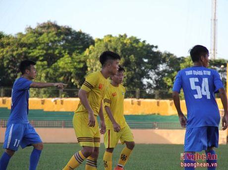 Thu linh U17 SLNA tim kiem co hoi trong mau ao U21 - Anh 1