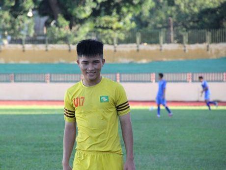 Thu linh U17 SLNA tim kiem co hoi trong mau ao U21 - Anh 2