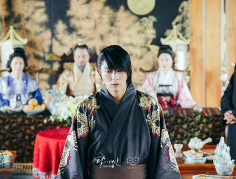 Ban luan 'Moon Lovers': Wang So khong ac moi la la! - Anh 12