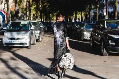 Trong thiet ke Do Manh Cuong, fashionista ThyThu lot top 10 street style tai Paris Fashion week - Anh 11