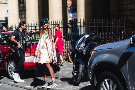Trong thiet ke Do Manh Cuong, fashionista ThyThu lot top 10 street style tai Paris Fashion week - Anh 13