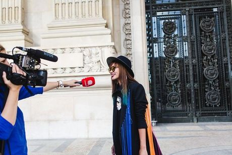 Trong thiet ke Do Manh Cuong, fashionista ThyThu lot top 10 street style tai Paris Fashion week - Anh 5