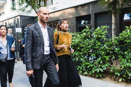 Trong thiet ke Do Manh Cuong, fashionista ThyThu lot top 10 street style tai Paris Fashion week - Anh 6
