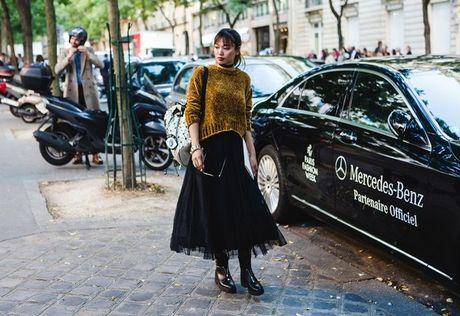 Trong thiet ke Do Manh Cuong, fashionista ThyThu lot top 10 street style tai Paris Fashion week - Anh 7