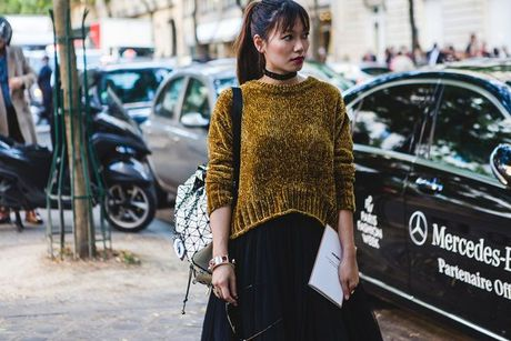 Trong thiet ke Do Manh Cuong, fashionista ThyThu lot top 10 street style tai Paris Fashion week - Anh 8
