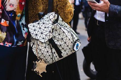 Trong thiet ke Do Manh Cuong, fashionista ThyThu lot top 10 street style tai Paris Fashion week - Anh 9