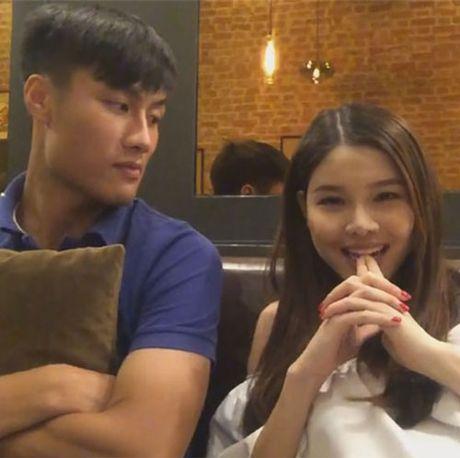 Quan quan Vietnam Idol bi che het muc; Ky Duyen, Ngoc Trinh duoc khen het loi - Anh 6