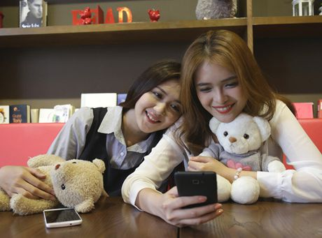 Bo doi 'Coolpad tham lang' Coolpad Roar 3 - Roard Plus co gay duoc chu y? - Anh 1