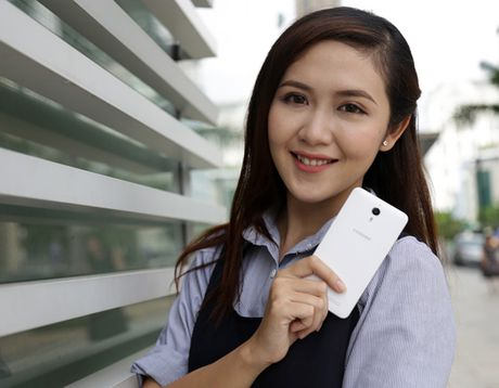 Bo doi 'Coolpad tham lang' Coolpad Roar 3 - Roard Plus co gay duoc chu y? - Anh 5