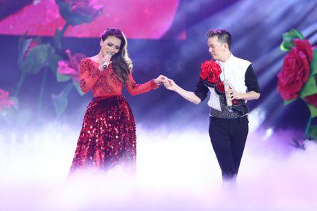 Dam Vinh Hung nen dau hat nhay cuc sung trong Diamond show hon 2 tieng ruoi - Anh 4