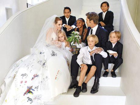 Angelina Jolie va Brad Pitt: Chuyen tinh ngay ay dep nhu tho - Anh 2