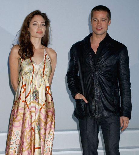 Angelina Jolie va Brad Pitt: Chuyen tinh ngay ay dep nhu tho - Anh 4