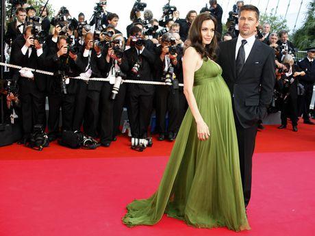 Angelina Jolie va Brad Pitt: Chuyen tinh ngay ay dep nhu tho - Anh 5