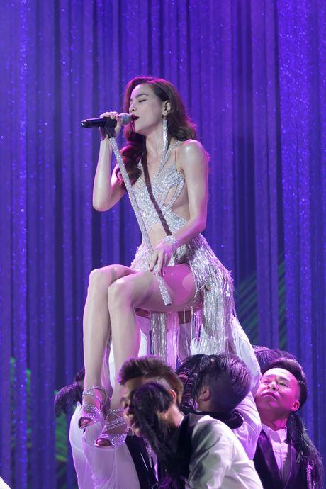 Nhung dieu khac nguoi o live show cua Dam Vinh Hung - Anh 3