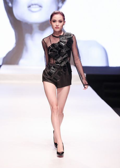 Ngoc Chau vuot co gai 1,55 m de dang quang Next Top Model - Anh 2