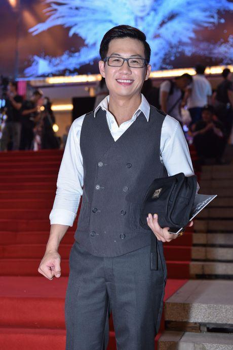 Dan sao Vpop tap nap xem live show Dam Vinh Hung - Anh 9