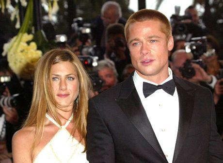 Diem lai nhung moi tinh chong vanh cua Brad Pitt va Angelina Jolie - Anh 12