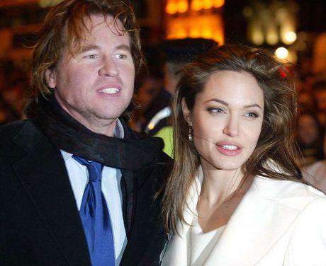 Diem lai nhung moi tinh chong vanh cua Brad Pitt va Angelina Jolie - Anh 4