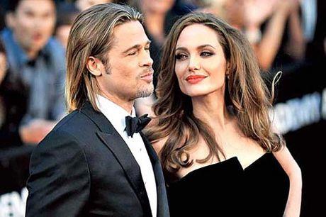 Angelina bao ve Brad truoc cao buoc bao hanh con - Anh 1