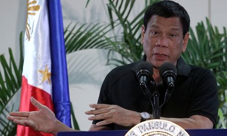 Tong thong Philippines lai khien toan chau Au 'tai mat' khi tu vi minh la Hitler - Anh 1